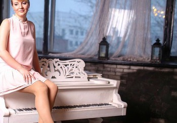 Блоггер Арина Устимова