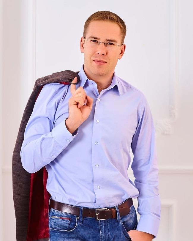 Блоггер Александр Саяпин