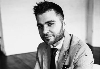 Блоггер Лев Вожеватов