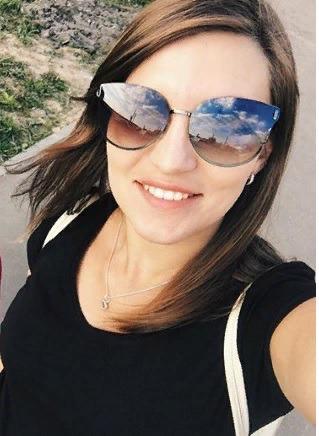 Блоггер Аня Ложкина