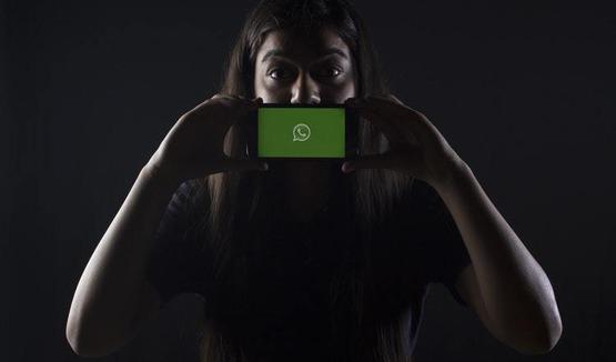 в WhatsApp появились стикеры