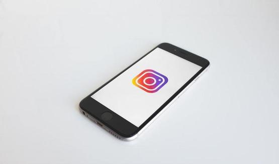 тестирование отдельной вкладки для тегов в Instagram