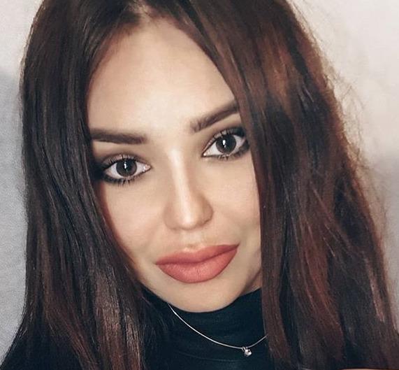 Блоггер Кира Петрова