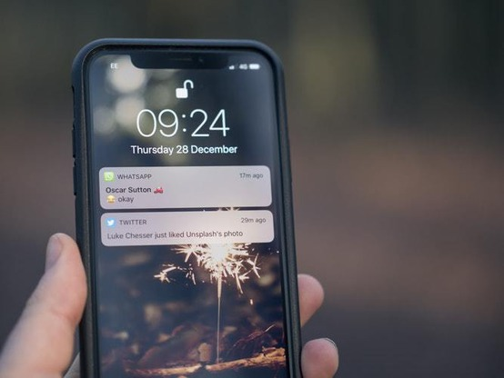 в WhatsApp тестируют возможность входа в приложение по отпечатку пальцев