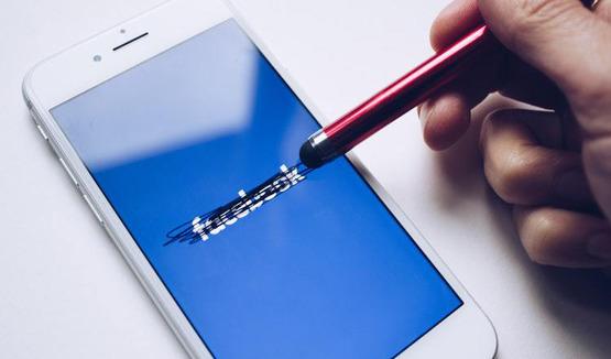 Facebook удаляет огромное количество фейковых страниц