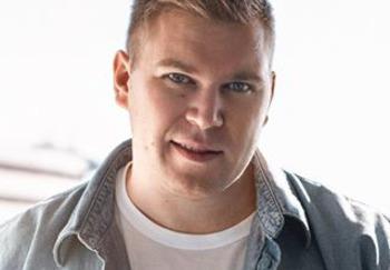 Блоггер Денис Викторов