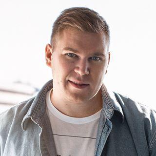 Блогер Денис Викторов