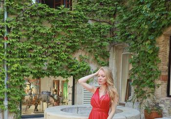 Блогер Дарина Онестли