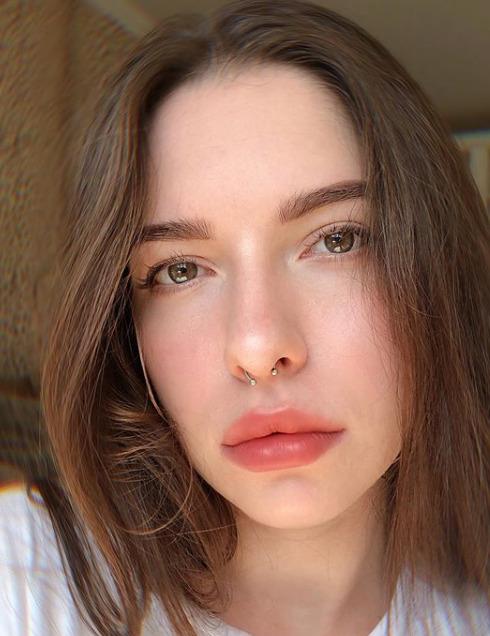Блогер Настя Крейзер