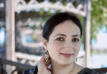 Блогер Айна Громова