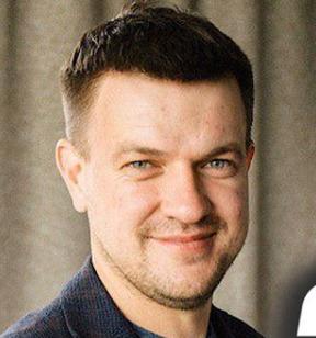 Блогер Максим Суранов