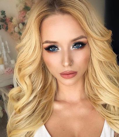 Блогер Виктория Комиссарова