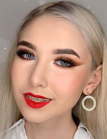 Блогер Анастасия Реутова