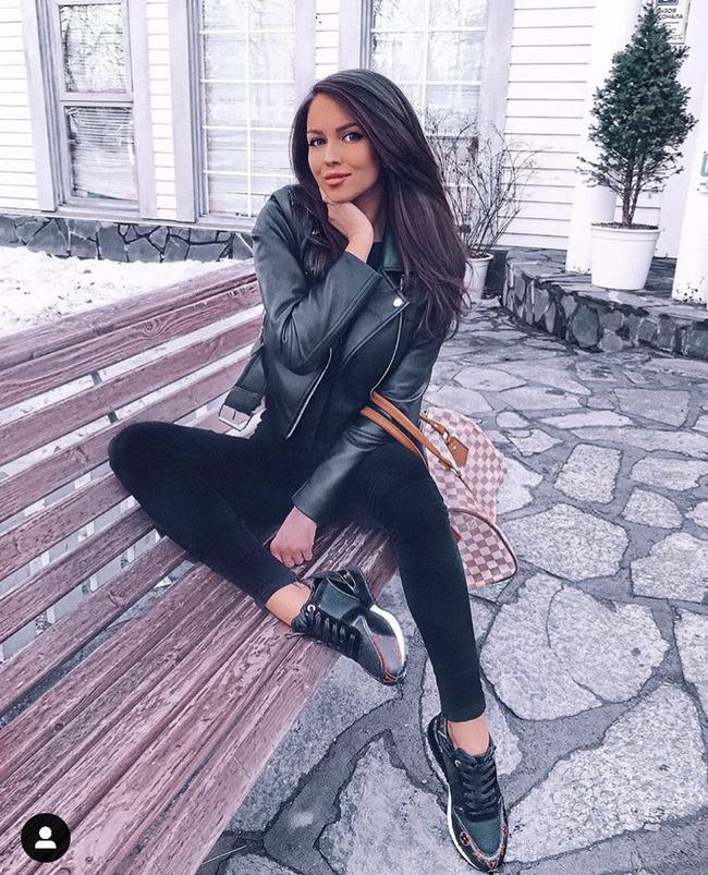 Блогер Яна Смирницкая