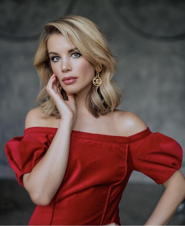 Блогер Анастасия Оделс