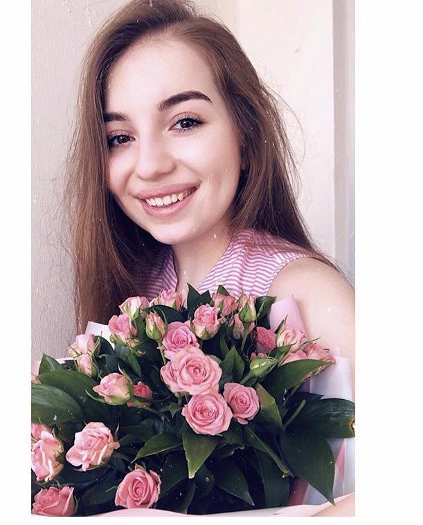 Блогер Иза Джарyлаева