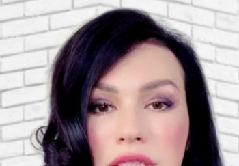 Блогер Юлия Спиридонова-Микеда