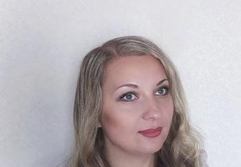 Блогер Демина