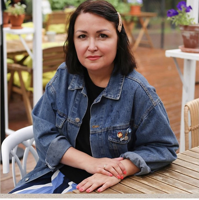 Блогер Анастасия Попова