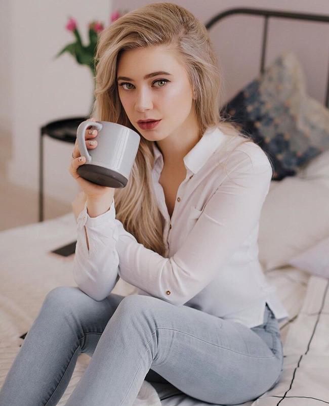Блогер Анастасия Курушка