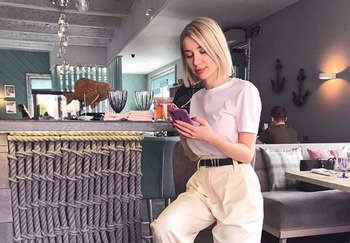 Блогер Даша Гоголева