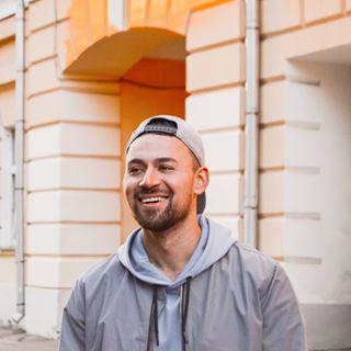 Блогер Анатолий Ширяев