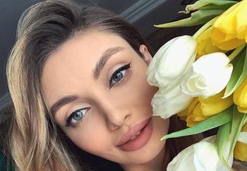 Блогер Анастасия Обвинцева
