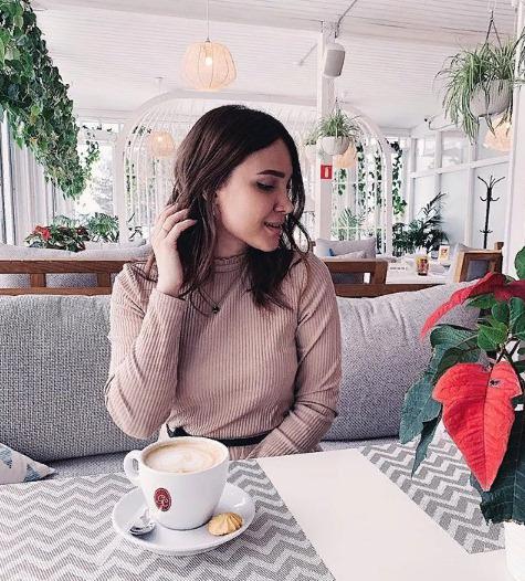 Блогер Diana Acid