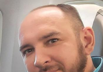Блогер Максим Мошков