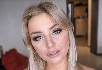 Блогер Алина Кузнецова