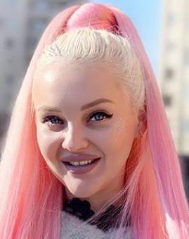 Блогер Анастасия blonde.nastya