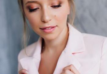 Блогер Виктория Дрокова