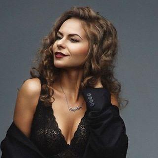 Блогер Карина Залесских
