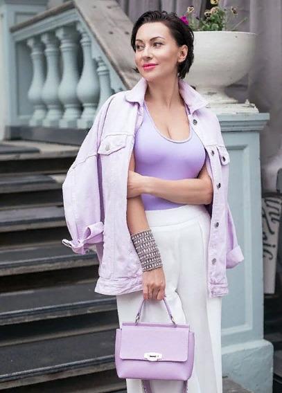 Блогер Елена Колотвина