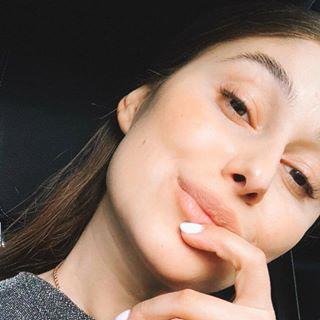 Блогер Теона Дати