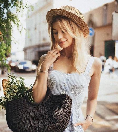 Блогер Алиса Строева