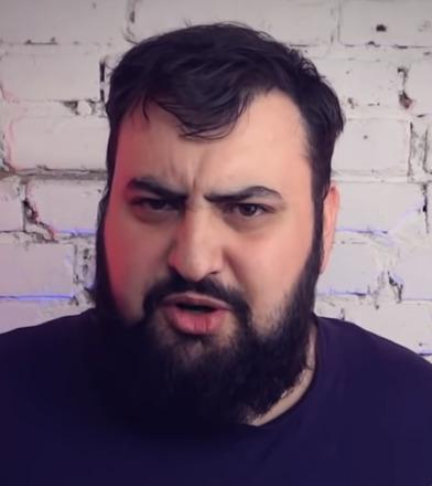 Блогер Жирный