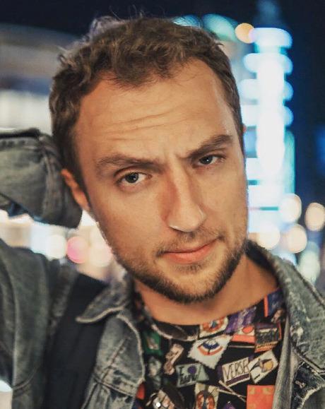 Блогер Артем Харченко
