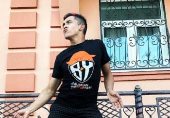 Блогер Булат Браво