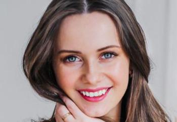 Блогер Алена Попкова