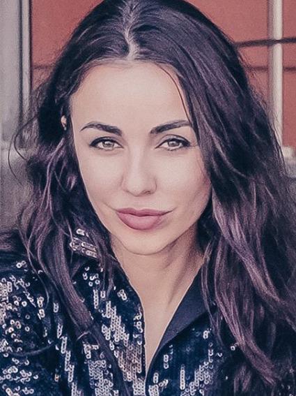 Блогер Юлия Хадарцева