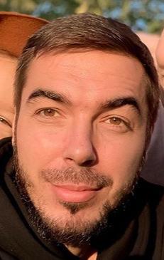 Блогер Виталий Богомолов