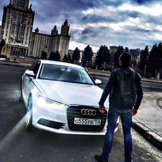 Блогер Максим Перцев