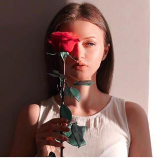Блогер Аня Хоома