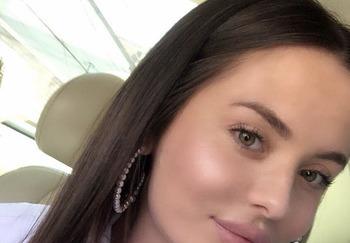 Блогер Хадижа Худайнатова