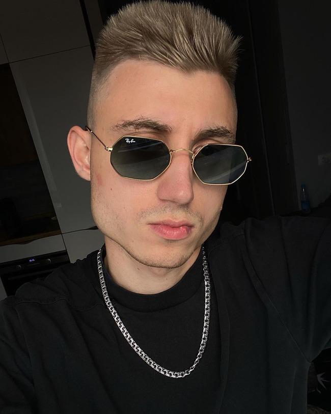 Блогер Макс Браун