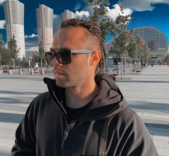 Блогер Евгений Тимонов