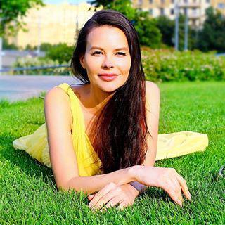 Блогер Марина Велес