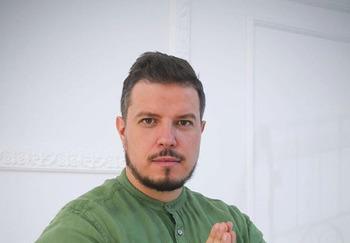 Блогер Дмитрий Ермолаев