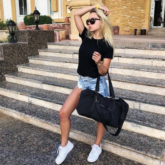 Блогер Саша Коваленко